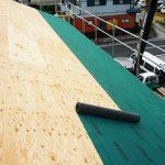 屋根のルーフィングの種類や貼り方と寿命!価格や施工方法と事例も